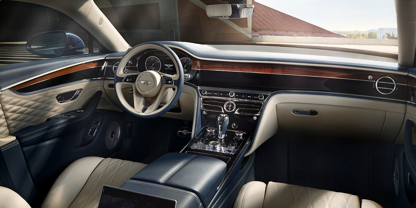 bentley-new-flying-spur-front-interior-3d-diamond-quilted-doors-and-dual-veneer