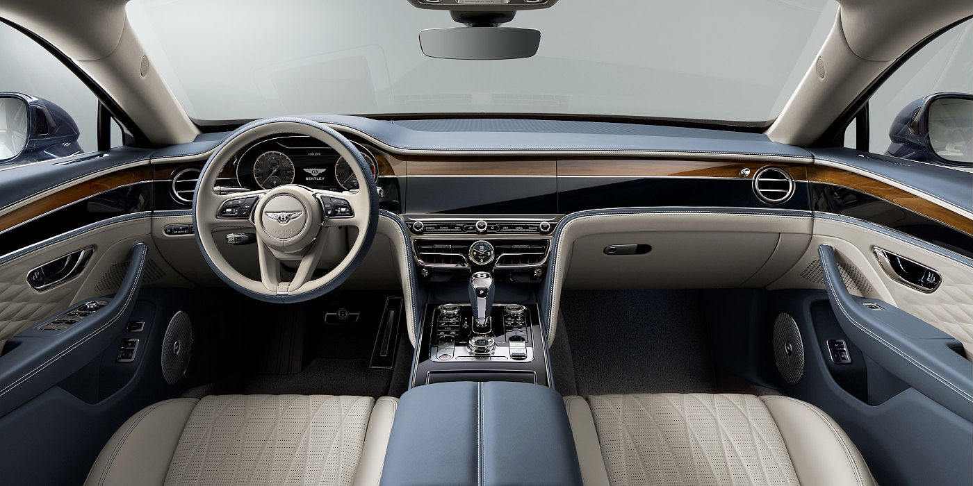 BENTLEY-NEW-FLYING-SPUR-2020-FRONT-INTERIOR-CONSOLE-AND-STEERING-WHEEL